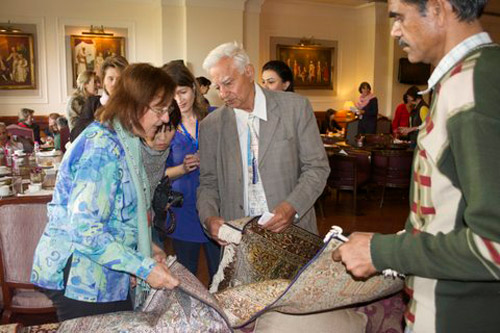 Answering queries of inquisitive carpet lovers