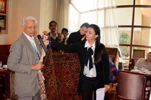 Mr. Talwar presenting a Carpet Talk show in Feb'14