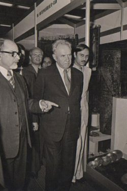 Mr. Talwar with Former President of Russia - Mr. Kusiegan and Former Prime Minister of India- Mr. I.K. Gujral
